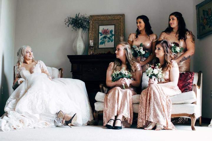 Large adult bride bridesmaids 1608590 1551478886