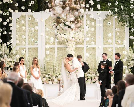 Relive Luke Davis and Digital Influencer Krystal Schlegel's Glamorous Dallas Wedding