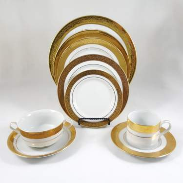 Majestic Gold Soup Bowl w/ handles