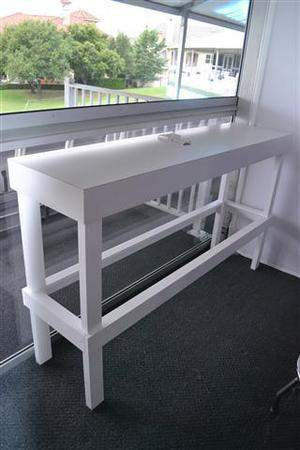 6ft X 18in X 42in Power Table W White Laminate Top