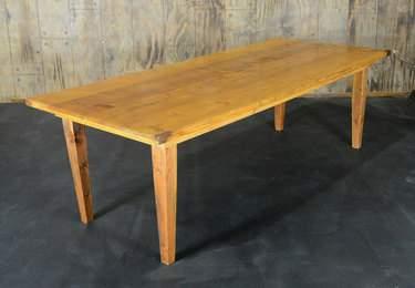 """Golden Oak Vineyard Table - 8'x40"""" Bar Height"""