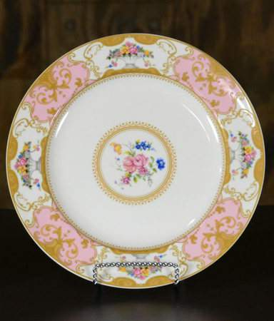Vintage Plates - Pink Dinner Plate & Vintage Plates - Pink Dinner Plate   China Rentals