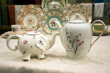 Queen Ann's China - Tea Pot