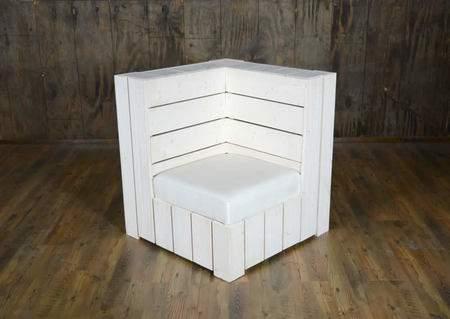 White Pallet Corner Seat