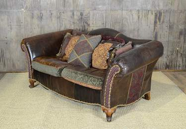 Rolando Loveseat