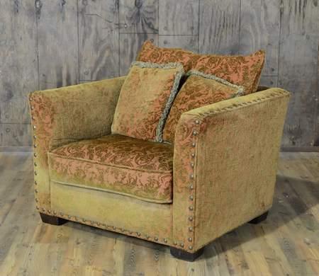 Veronica Club Chair