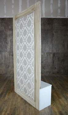 Antique Damask Divider Wall