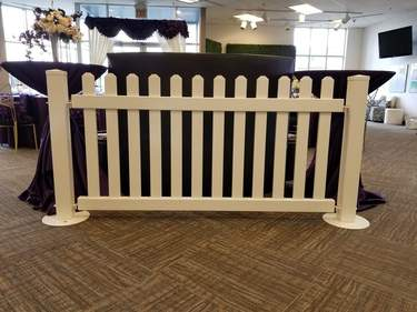 Traditional Vinyl Fence 6'